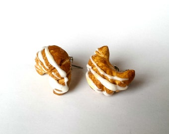 Miniature Croissant Earrings, Food Jewelry, Food charms, Bread Earrings, Cute earrings , Pastry Earrings, Bakery, Baking