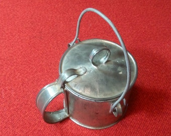 Vintage Camping Cookware Tin Bean Pot With Handle & Hinged Lid