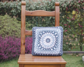 "Lace crochet cushion mod. ""Agata""-100% cotton-35 x 35 cm"