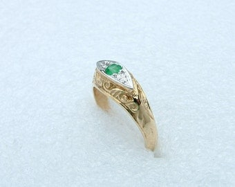 Gold Emerald ring-Antique style Emerald ring-Antique style ring with Emerald-Vintage style ring-Art Deco