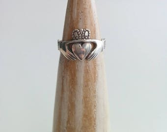 Vintage Sterling Silver Traditional Irish Claddagh Ring