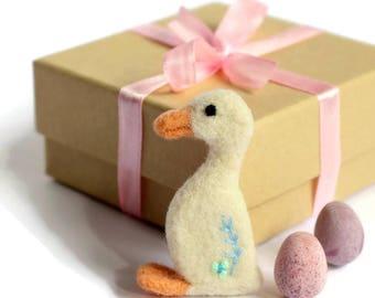 Duck Brooch, Needle Felted Duck Brooch, Textile Brooch, Bird Lovers Brooch, Bird Lovers Gift, Duck Gifts, Duck Jewellery, Felt Brooch