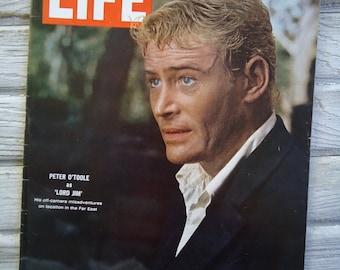 Vintage 1965 Life Magazine - Peter O'Toole - Retro decor - 1965 Life Magazine - Peter O'Toole Life Magazine - Paper Ephemera -