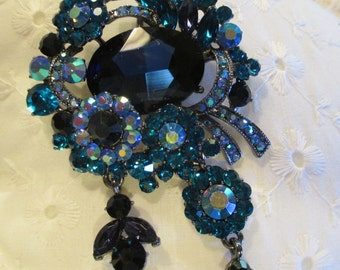 Beautiful Blue Rhinestone Brooch / Pin Shades of Blue Pewter color Backing Dangle