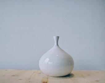 Ceramic Vase // Totally handmade in Italy // Modern and minimal design