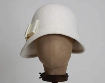 """Off White """"Joanne"""" Cloche, Fur Felt Cloche, 1920's Style, Off White Bridal Cloche, White Cloche, Wedding Hat"""