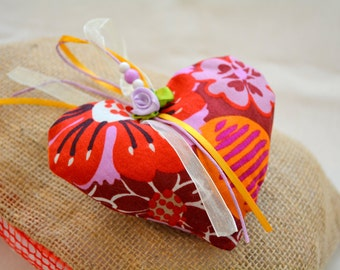 Fragrant 100% Lavender Heart Sachets - Highly fragrant natural dried lavender. Small Gifts - Aromatic Sachet
