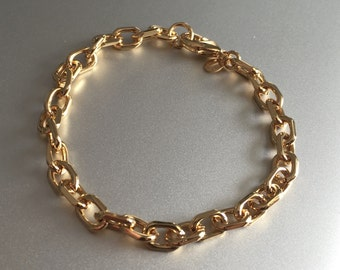 Beautifully handcrafted, high quality chain-bracelet coated with 18 karat of 750 gold