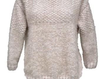 Woman's wool pull