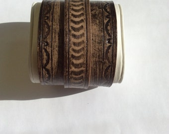 Lether wristband tooled handpainted