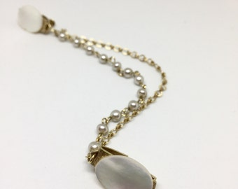 Vintage 1950s Mother of Pearl Gold Tone and Pearl Double Chain Sweater Clip | Cardigan Clip | Sweater Keeper | Sweater Guard | Collar Clip