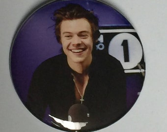 Harry Styles-Release Day 2017-2.25 inch Pinback Button-NEW