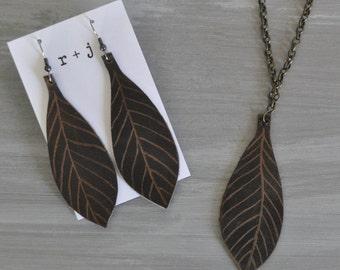 Featherleaf earrings and necklace bundle / Jewelry bundle / Pendant necklace and matching earrings / Leather jewelry / Beautiful jewelry