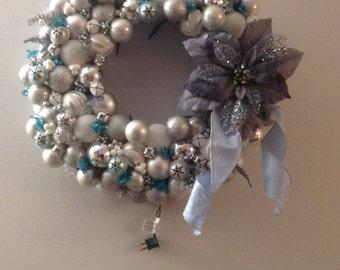 Silver Bells, Ornament wreath