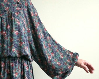 green floral peasant sleeve dress
