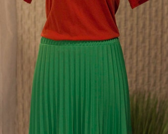 Vintage Green Pleated Skirt