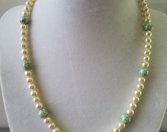 Glass Pearls Choker Necklace
