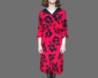 1940 Midi Deress, 1940 red dress, 1940 floral dress, red dress with black flowers, vintage v neck dress, Vintage Red dress M L size