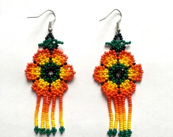 Huichol Mexican Flower Earrings | Vintage Accessories