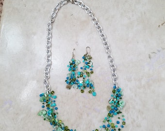 Beaded necklace and earing