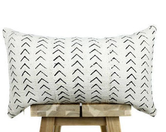 African Mudcloth Pillow Cover, African Pillow, Cream and Black | Esiri