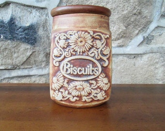 Vintage Biscuit Cookie Jar | Quantock Design