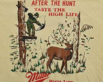 Vintage 90s MILLER High Life Beer Hunting t-shirt mens Tee Jays Medium Yellow