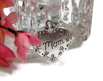 Beautiful Mom Heart Pendant - Mother's Day Love