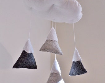 Baby Mobile - Cloud and Mountains - Gender neutral colours - Grey and white nursery decoration