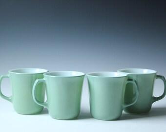 Set of 4 jade green Pyrex coffee cups - milk glass