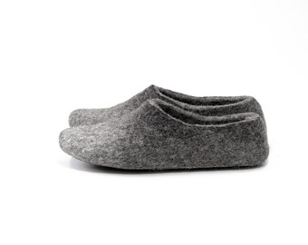 Felted wool Clogs Adult slippers handmade in natural gray wool with dark gray alpaca wool ombre
