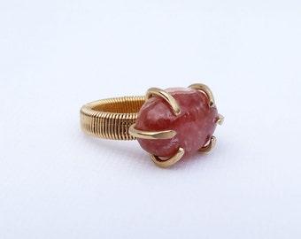 Rhodocrosite Ring, natural stone, midi ring, pinky ring, pink stone ring, prong set, ring size 1.5
