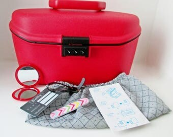 Samsonite Train Case, Makeup Red Luggage, Holiday Travel, Made in France, Combination Lock, Cosmetic Oval Box, Vanity Decor, Carry Suitcase