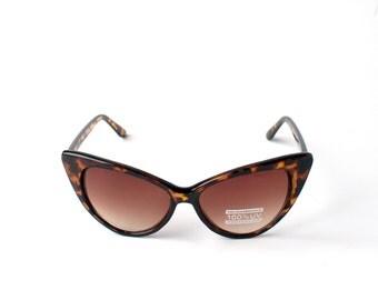 CLASSIC CAT EYE Sunglasses By Kokorokoko Tortoise