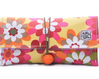 Button Clutch - freedom flowers - vintage