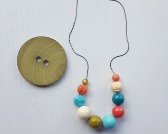 sandbox necklace - vintage lucite - saturated earthtones - coral turquoise olive cream - lightweight summer necklace