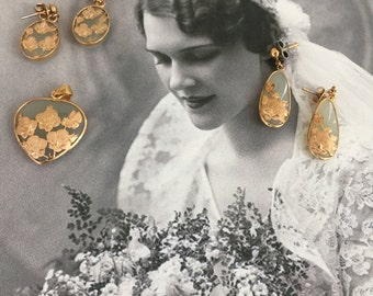 Vintage Jade and Gold Floral Etched Earrings and Pendant Set