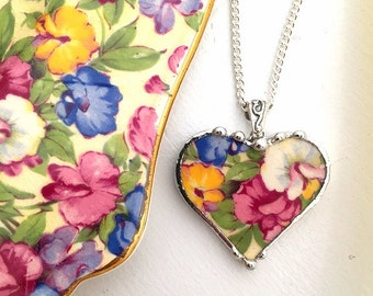 Broken china jewelry  - broken china heart pendant necklace -  antique Sweet Pea chintz floral broken china