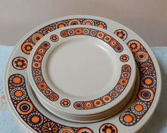 70s Kiln Craft Midas 5 BB Plates Staffordshire Potteries Ltd Ironstone England Mid Mod Brown Neon Orange Tan Flowers Perfect Condition