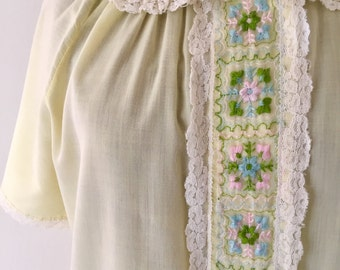 Vintage 1960s Yellow Peter Pan Collar Shift Nightgown -Embroidered Floral - Loungewear - Atkins - rare brand