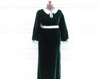 Vintage 60s Floor Length Green Velvet Gown with Mint Trim