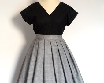 Black and White Prince of Wales Check Pleated Wool Skirt