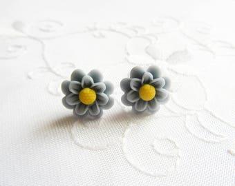 Grey Matte Flower Earrings / Chrysanthemum / Mums / Flower / Post / Stud / Earrings / Flower Studs / Flower Posts