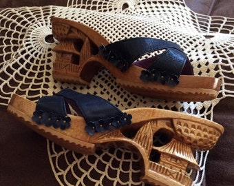 Vintage 1970s Shoes Sandals Lightweight Carved Wood Blue Faux Fake Leather Oriental Look Sold As Is