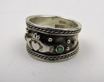 Irish Sterling Silver Genuine Emerald Wedding Band. Wide Cigar Band Ring. Vintage Claddagh Lovers Heart Ring Ireland Hallmarks. Size 8