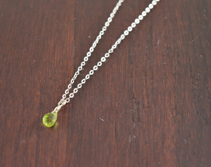 Peridot Tiny Teardrop Necklace, August Birthstone,Wedding Anniversary Gifts for Her, Unique Bridesmaid Gift Idea for Women, Gifts for Sister