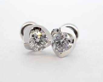 14K White Gold 1.02ctw GGI Certified Canadian 12/E Diamond Stud Earrings