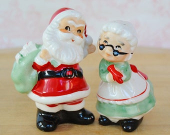 Vintage Santa and Mrs Claus Salt and Pepper Shakers by Lefton