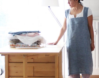 Crafter apron in linen, work pinafore japanese style. Artisan smock. Made in Italy. Sizes S to XL.