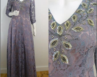 Elegant VINTAGE 1940s Lavender Grey Pink Lace Jeweled Evening Ballgown UK 12 FR 40  / Chic  WW2 / Exceptional Quality/ Beautiful Cut